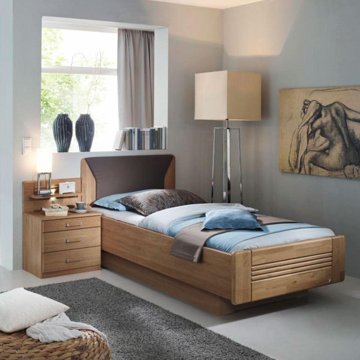 rauch steffen valerie bett mit nachtkommode wildeiche natur teilmassiv. Black Bedroom Furniture Sets. Home Design Ideas